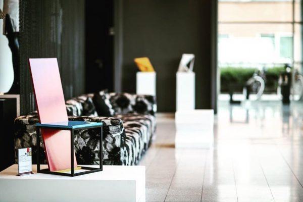 Uniek product design gemaakt door maximaaldesign. Is te zien in amsterdam hotel dutch design.ontwerpt de beste design producten van de hele wereld. Hij is een designer met een goede kijk op de wereld en kijkt wat de mens nodig heeft.