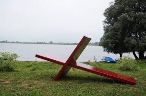 splitchair-design-stoel-chair-rood-groen-nature-maximaaldesign-max-mutgeert-natuur-buiten-kaaij-nijmegen